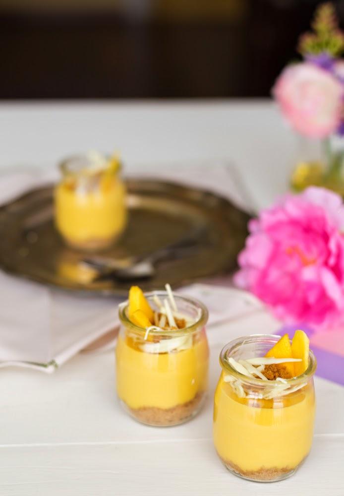 Vasitos de cheesecake de mango