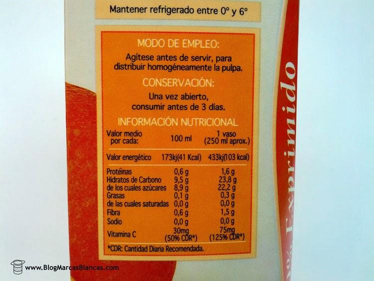 Información nutricional del Zumo refrigerado de naranja exprimida HACENDADO de Mercadona.