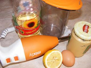 ingrediente maioneza, preparare maioneza, maioneza, retete maioneza, reteta maioneza, maioneza retete, maioneza reteta, retete cu maioneza, maioneza de casa, maioneza rapida, maioneza la blender, retete culinare, preparate culinare, cum se face maioneza, cum se prepara maioneza,