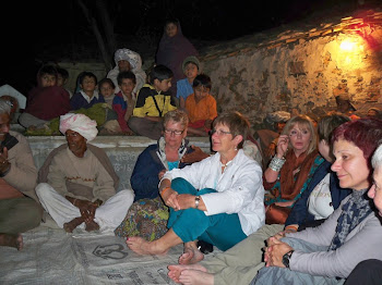 INDIA 2011: Cultural Evening the DWC group attended at the village gathering place