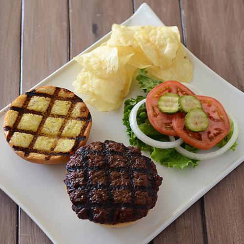 burger with grill marks, grilled burger, burger platter