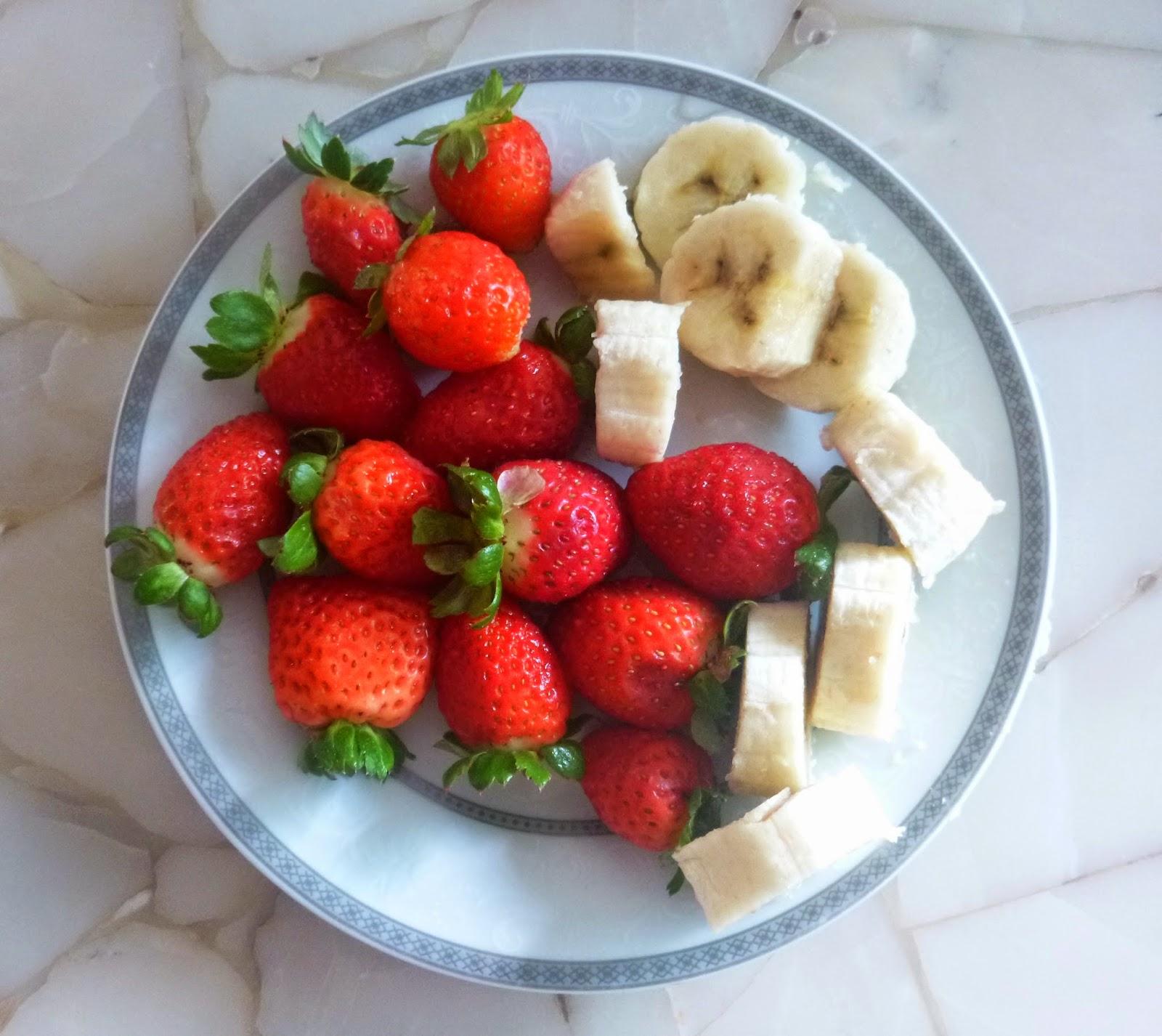 CHOCOLATE; SOBREMESA; FRUTAS;