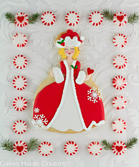 http://www.tartasdecoradasycupcakes.com/2013/12/christmas-doll-cookie-tutorial.html
