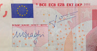 Unterschiedliche Unterschrift auf 10 Euro Geldscheinen