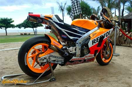 Honda RCV213 MotoGP 2015