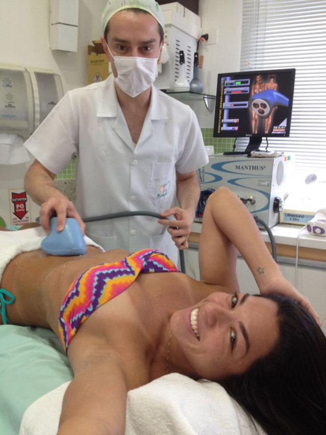 Em off-season, Carla Carra faz tratamento estético para desfilar na Sapucaí. Foto: Arquivo pessoal