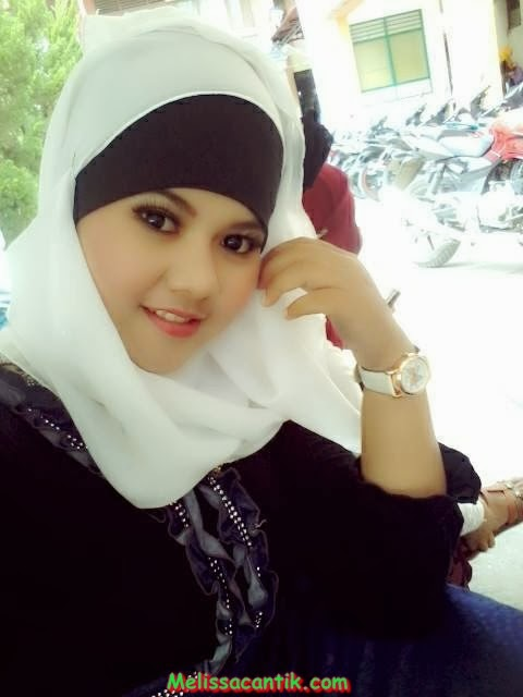 Pretty College Hijab Girl From Unpad Bandung Pictures