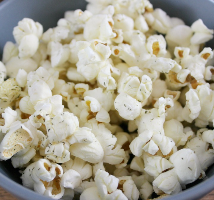 Easy herbed dill parmesan popcorn recipe