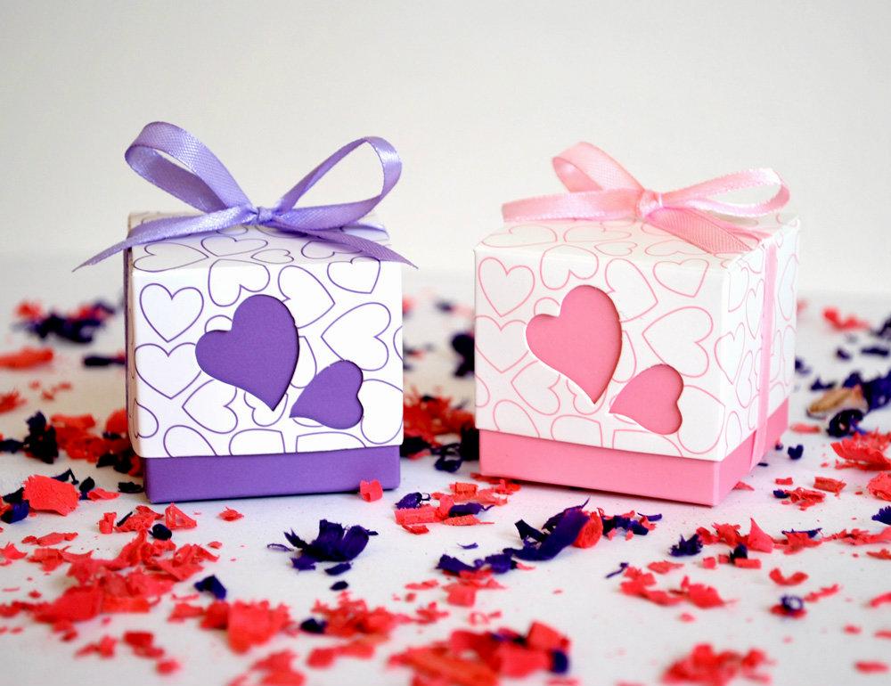 Cajas y cajitas con forma de coraz n con forma de coraz n - Como decorar una caja de metal ...
