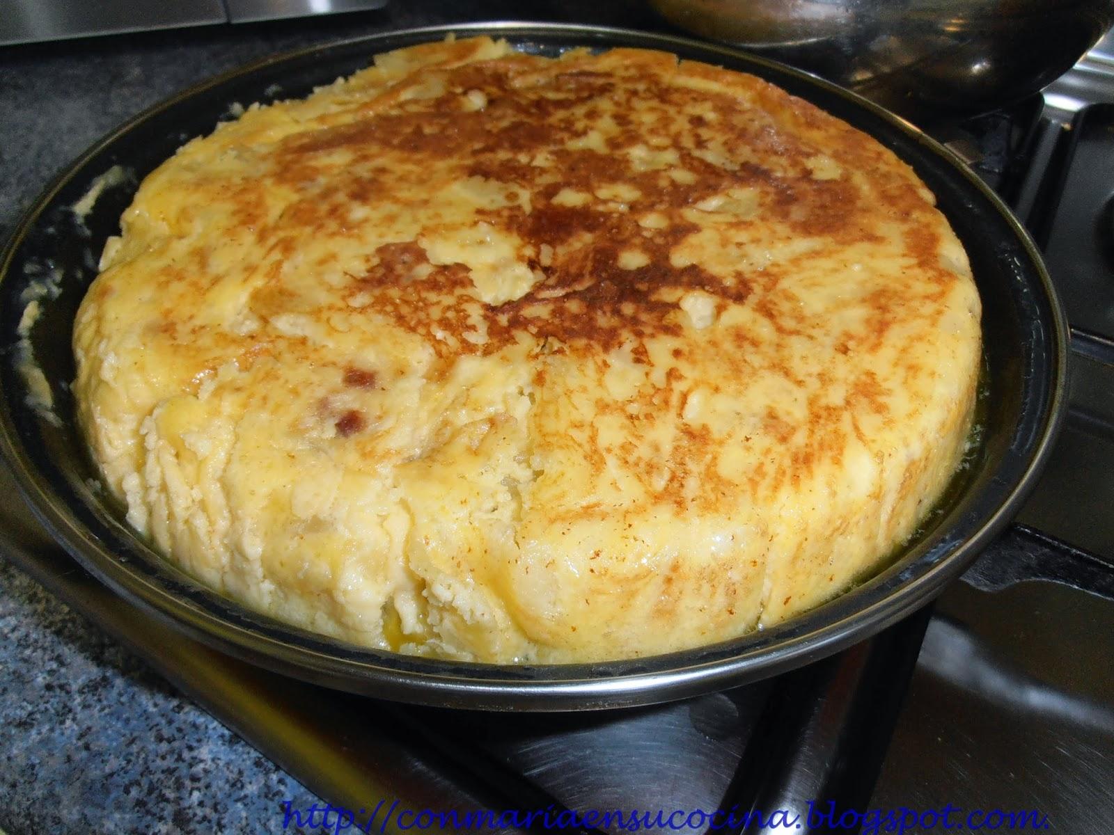 Con mar a en su cocina tortilla espa ola tortilla de patata - Sartenes para tortilla ...
