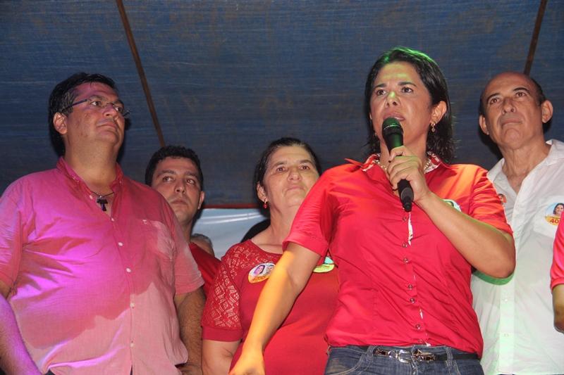 Luana Alves e Flávio Dino arrastam multidão em Vitorino Freire