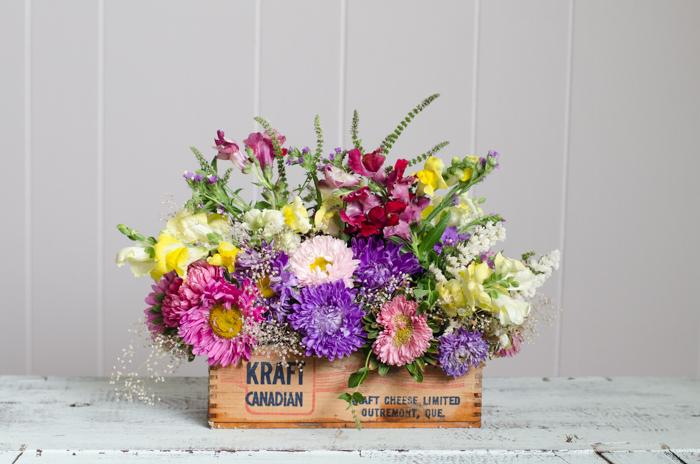 DIY Vintage Cheese Crate Floral Arrangement