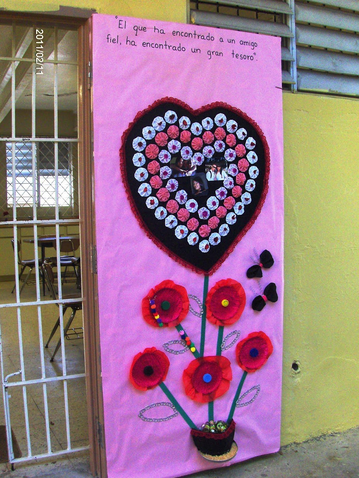 Biblioteca escolar benito ju rez certamen de adorno de for Puertas decoradas para el 10 de mayo