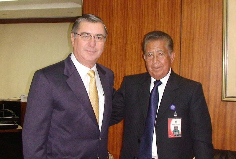Alcalde de cajamarca se re ne con nuevo ministro del for Nuevo ministro del interior