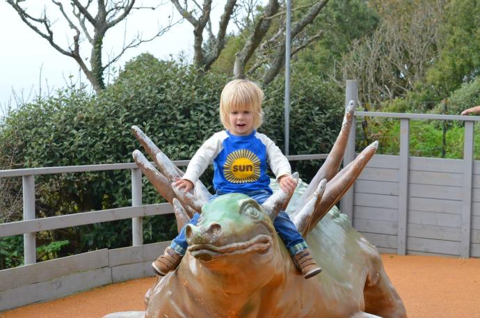 blackgang chine, climbing dinosaurs