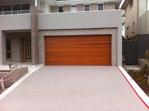 Modern Driveways http://stonesetpermeablepaving.blogspot.com/2011/09/beautiful-driveways.html