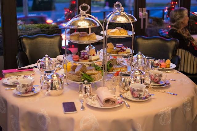 5ти часовой чай в отеле Англетер в Женеве. 5 oclock tea at  Hotel d'Angleterre, Geneva