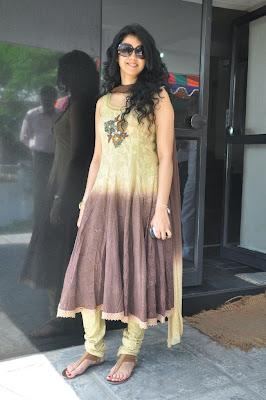 kamna jethmalani at movie 9 entertainments movie pooja glamour  images