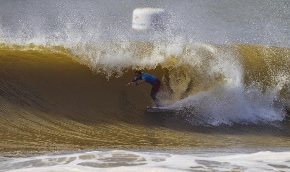 62 2014 Moche Rip Curl Pro Portugal Tiago Pires Foto ASP Damien Poullenot Aquashot