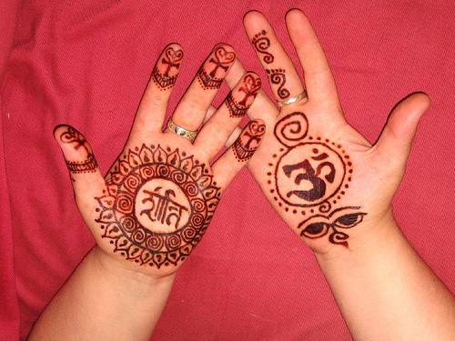 Mehndi Designs On Hips : U s breaking news tattoos on hips for girls