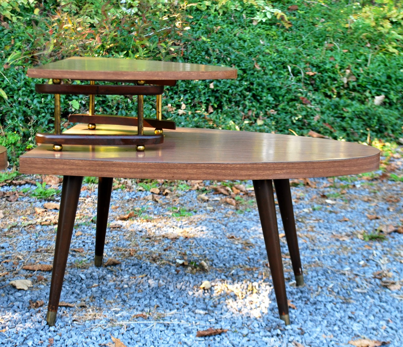 Tribute 20th Decor: Vintage Atomic Coffee And End Tables