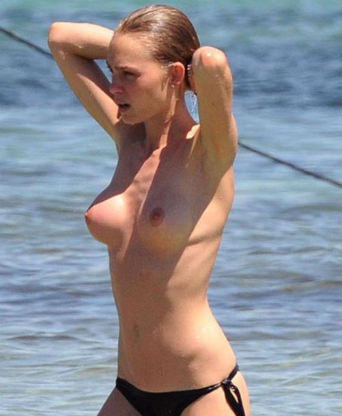 Topless di Pantai, Payudara Artis Katharina Damm jadi Sasaran Paparazi