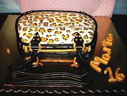 Bolo - Mais uma mala, desta vez para a Marta - Padrão Leopardo