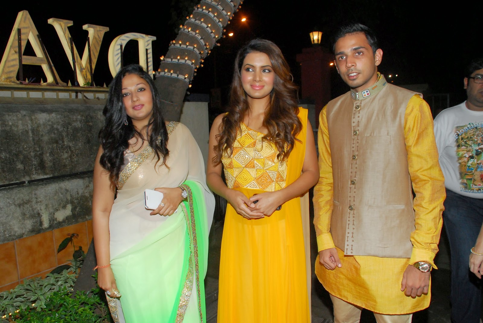 Geeta Basra at DVAR Photography and Fashion Exhibit Event