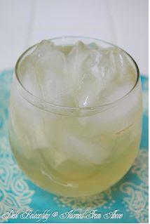 Peach Lemonade Rum Fizz