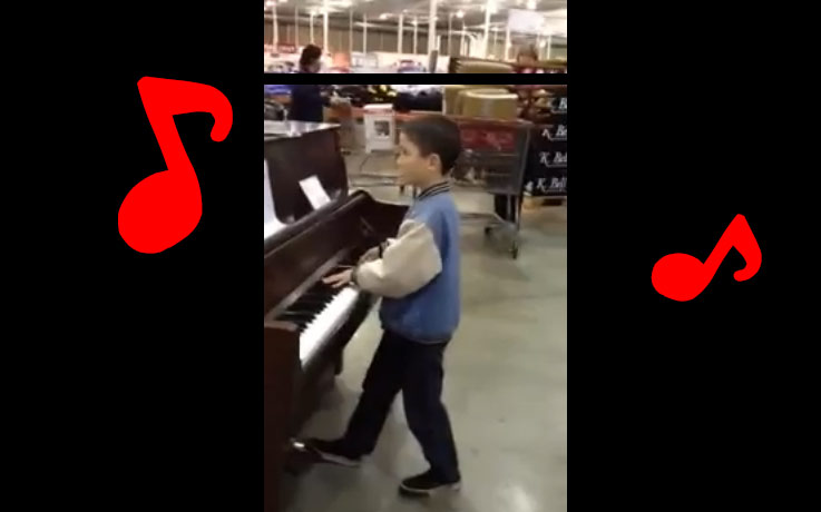 コストコ店内のピアノで弾いちゃう少年。その音楽が素敵
