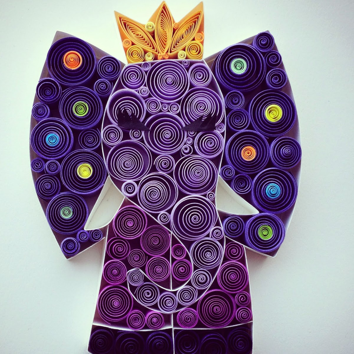 18-Dumbo-Sena-Runa-Drawing-and-Quilling-a-match-made-in-Heaven-www-designstack-co