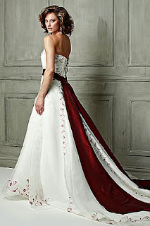Vestidos de Novia Blanco y Rojo, parte 3
