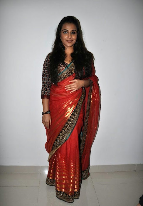 vidya balan gorgeous in red saree new hot photoshoot