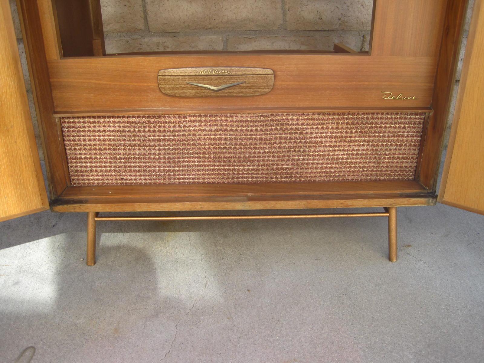 Rhan Vintage. Mid Century Modern Blog.: 50's RCA Victor Deluxe TV ...
