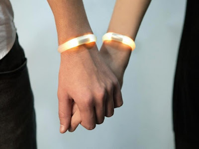 Creative and Innovative Bluetooth Jewelry (11) 1
