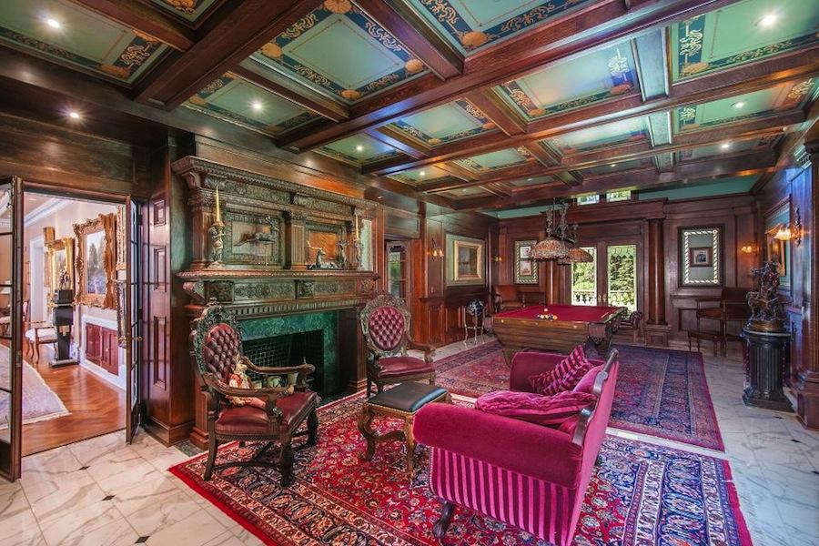 Old world gothic and victorian interior design february for Victorian villa interior design