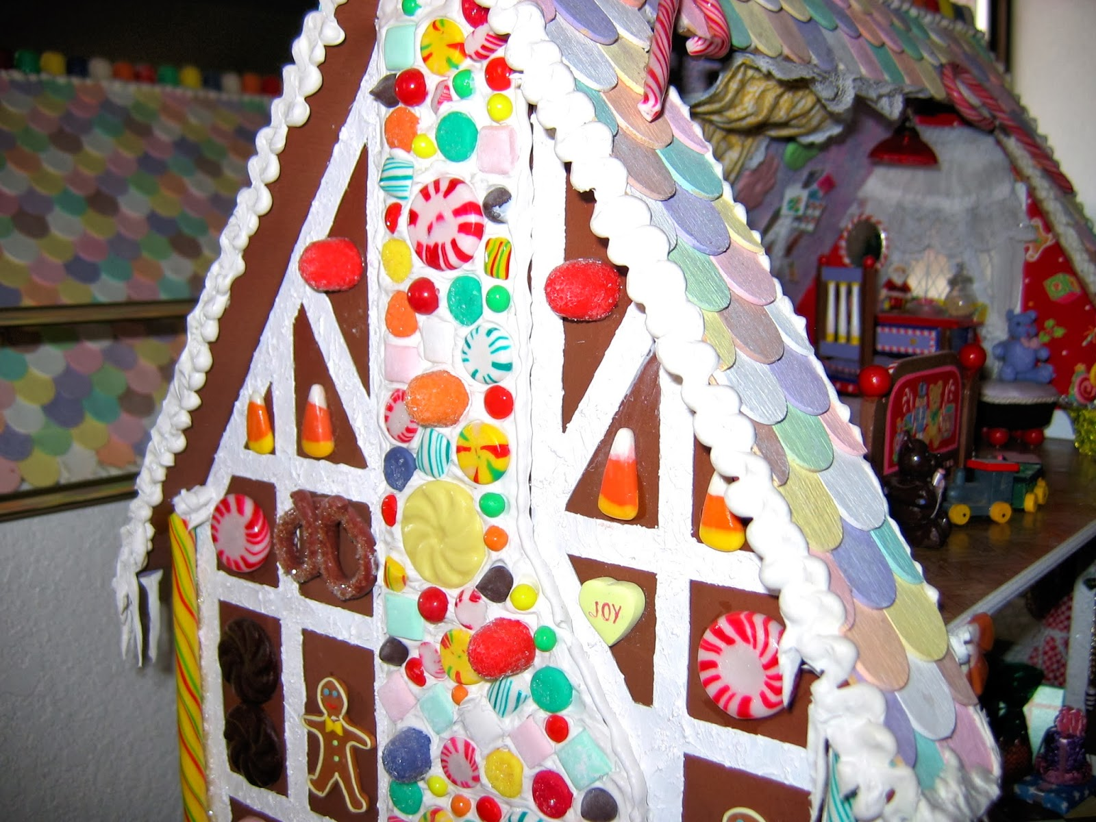 gingerbread dollhouse