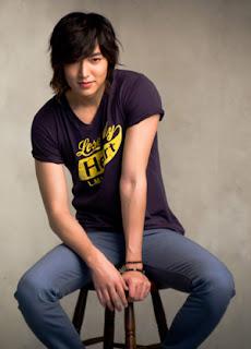 Lee Min Ho a Bench setter