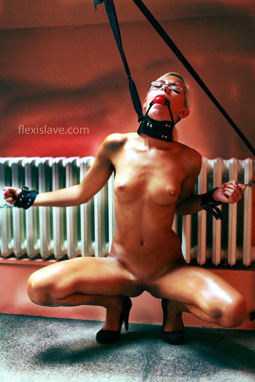 bdsmmodels: Lola MyLuv (Dido Angel) bdsm model captive and ...