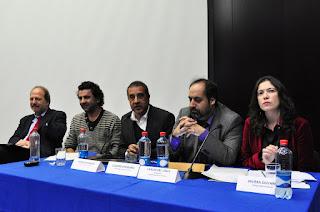 """Periodistas y académicos llaman a garantizar """"derecho a la comunicación"""""""