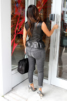 Kim Kardashian big booty in tight jeans