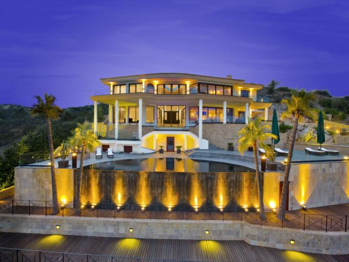 Locations vacances en espagne s jours en villas et for Model de villa de luxe