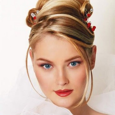 tylish Updo Hairstyle Ideas