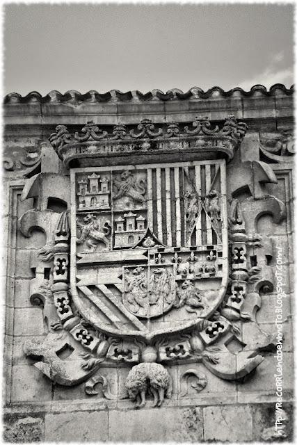 Escudo de Felipe II, Covarrubias