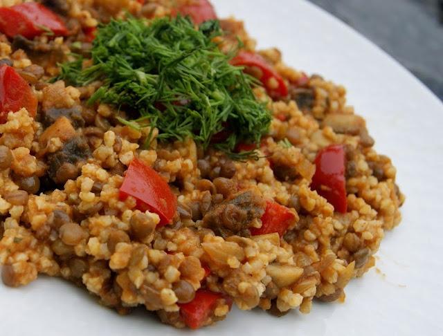 Curry z kaszy jaglanej i soczewicy