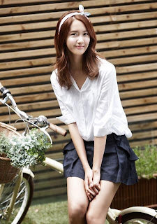 Im Yoona Korean Cute Girl Singer Sexy Mini Skirt 9