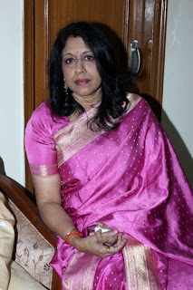 Kavita Krishnamurthy honoured with Shri Ravindra Jain Sangeet Samman