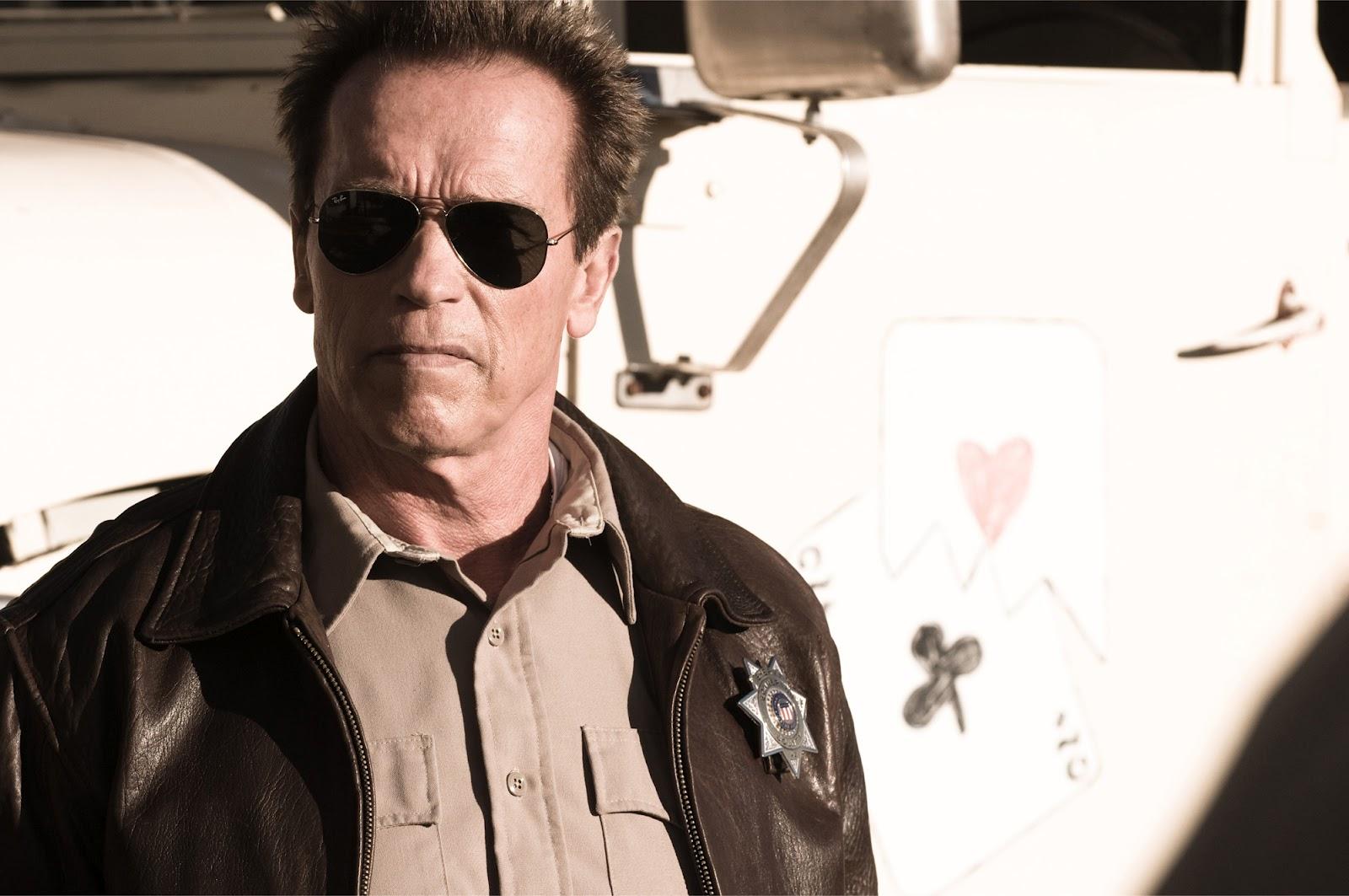http://4.bp.blogspot.com/-HLNT2HmHK1U/UC1xLoYu4AI/AAAAAAAA4iI/2ACuhw_B4Go/s1600/Kim_Jee-Woon-The_Last_Stand-Arnold_Schwarzenegger.jpg