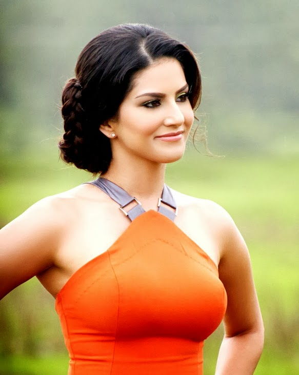 Sunny Leone still jackpot movie