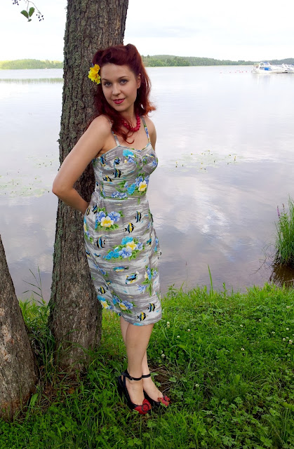 gray vintage 50s hawaiian dress at VintageFollies